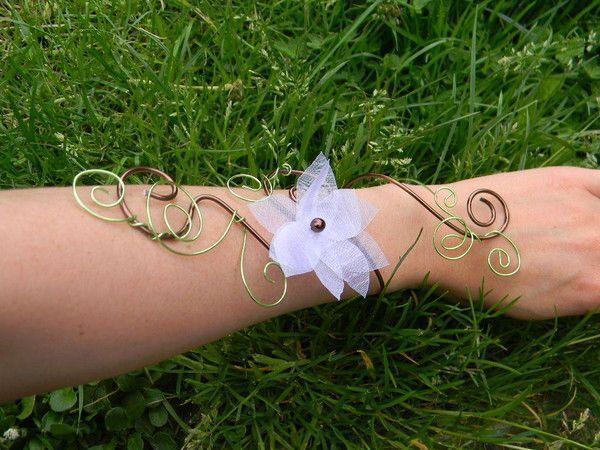 bracelet mariage chocolat fleur en organza. Black Bedroom Furniture Sets. Home Design Ideas