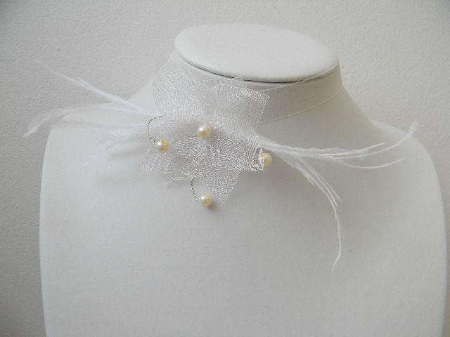 collier mariage tour de cou fleur en organza ivoire. Black Bedroom Furniture Sets. Home Design Ideas